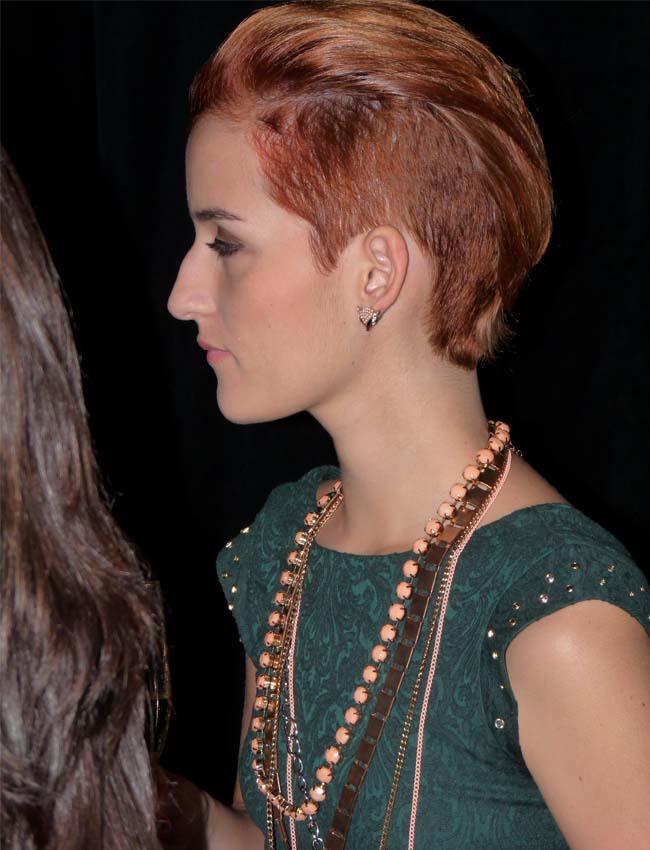 street-style-hairdo-neck-lace-como-una-aparición