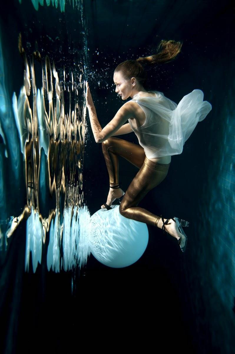 Underwater fashion editorial by Matjaž Tančič | Ses Rêveries
