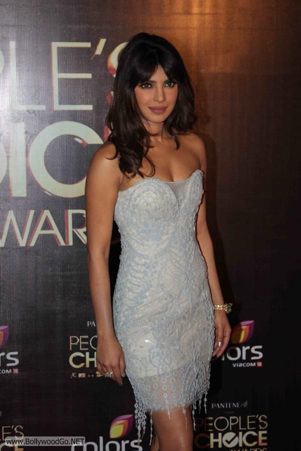 Priyanka+Chopra+People+Awards+(3)