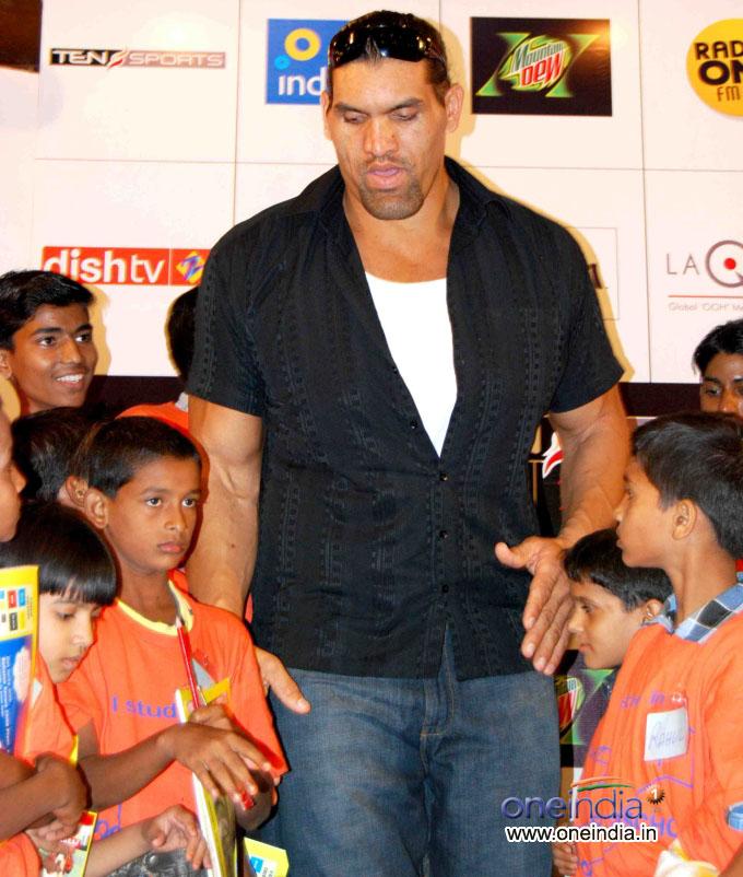 world entertainment  great khali wwe