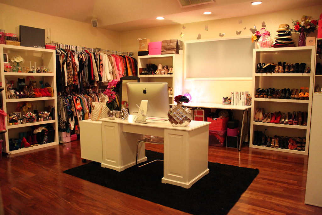 Eclectichicks how to create your own celebrity closet for Design your own closet