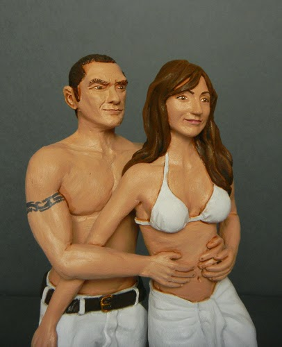 fidanzati spiaggia fidanzata bikini statuina realistica idee regalo orme magiche