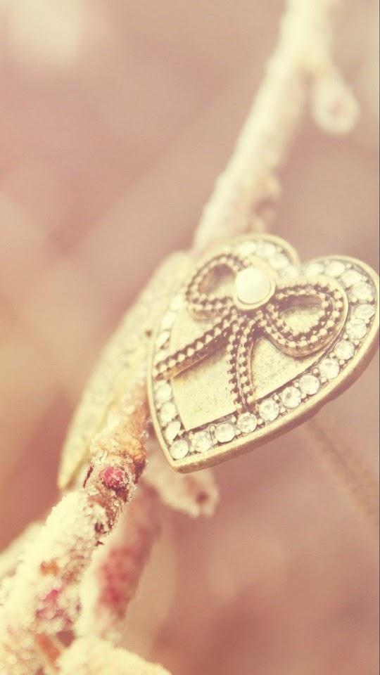 Gold Heart Accessory   Galaxy Note HD Wallpaper