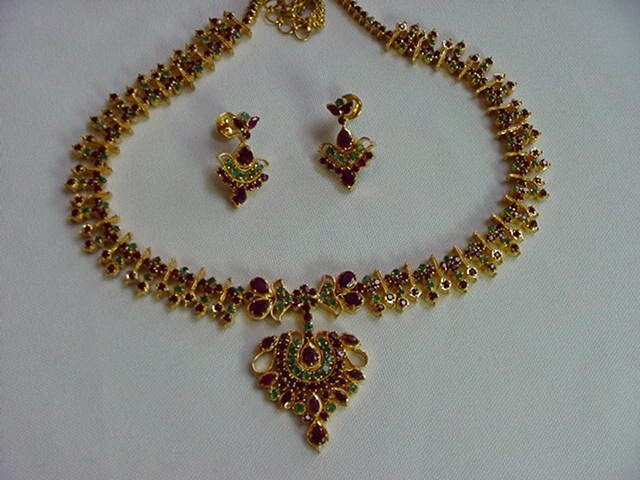 jewellery designs ruby emerald gold necklace set