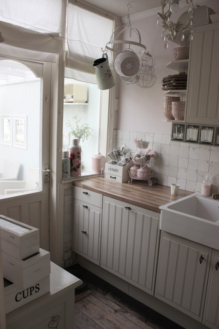 Gezellige Kleine Keuken : Country Style Kitchen