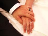 つないだ手と指輪 | ジューンブライド結婚式のイラスト・画像素材
