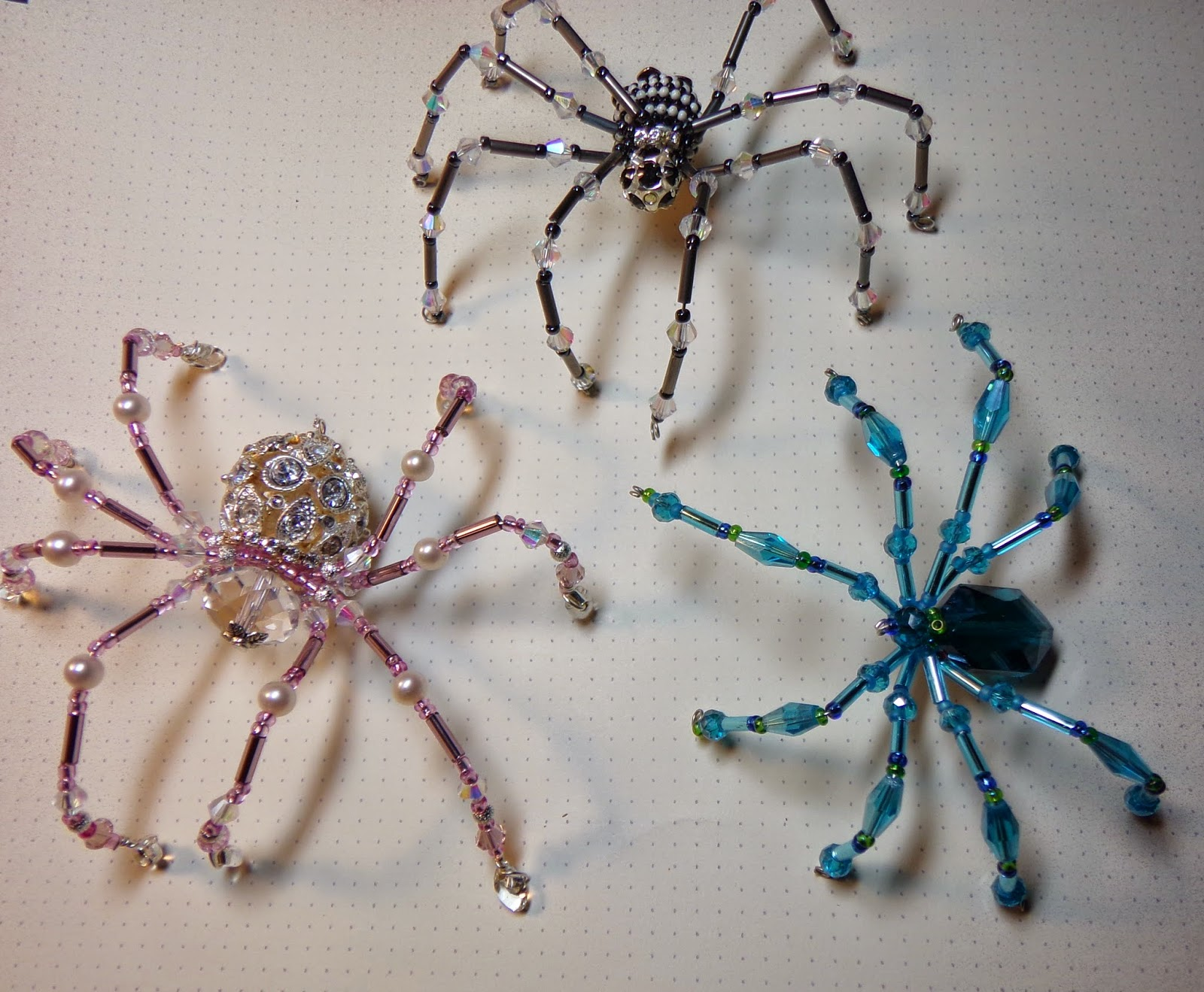 JuJu Crafts: Spiders made from Beads and Wire - in time for Halloween