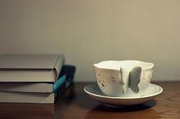 ესეც ჩემი ჩაი და საყვარელი წიგნები