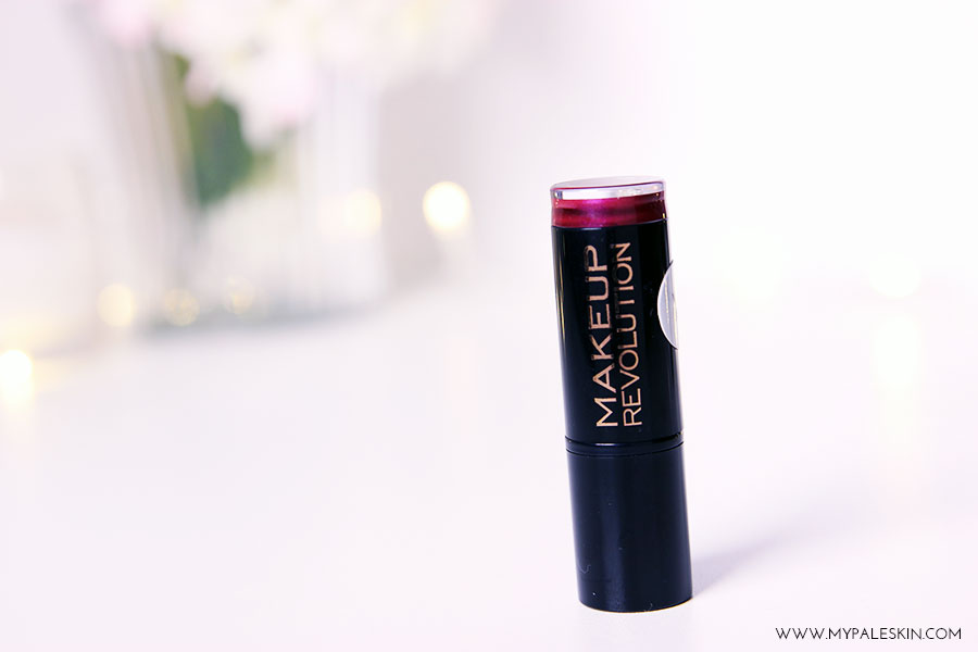 make up revolution, berry lips, lipstick, rebel with a cause, pale skin, blonde hair, make up, beauty, blogger, review, swatch