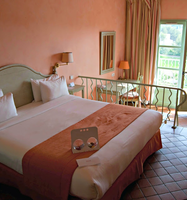 chambre-hotel-dolce-fregate-provence-alessaknox.be