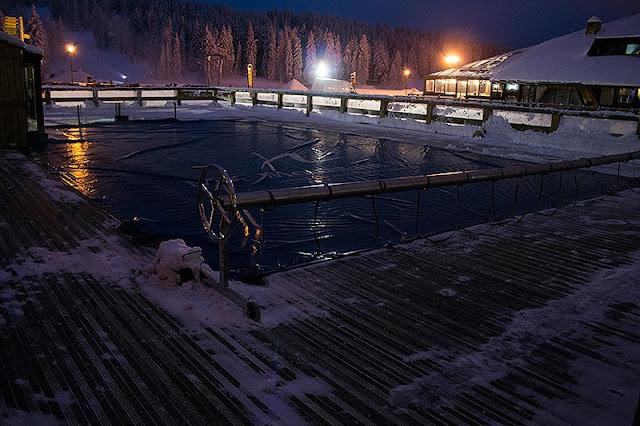 Spoljni bazen sa toplom vodom ispred Granda