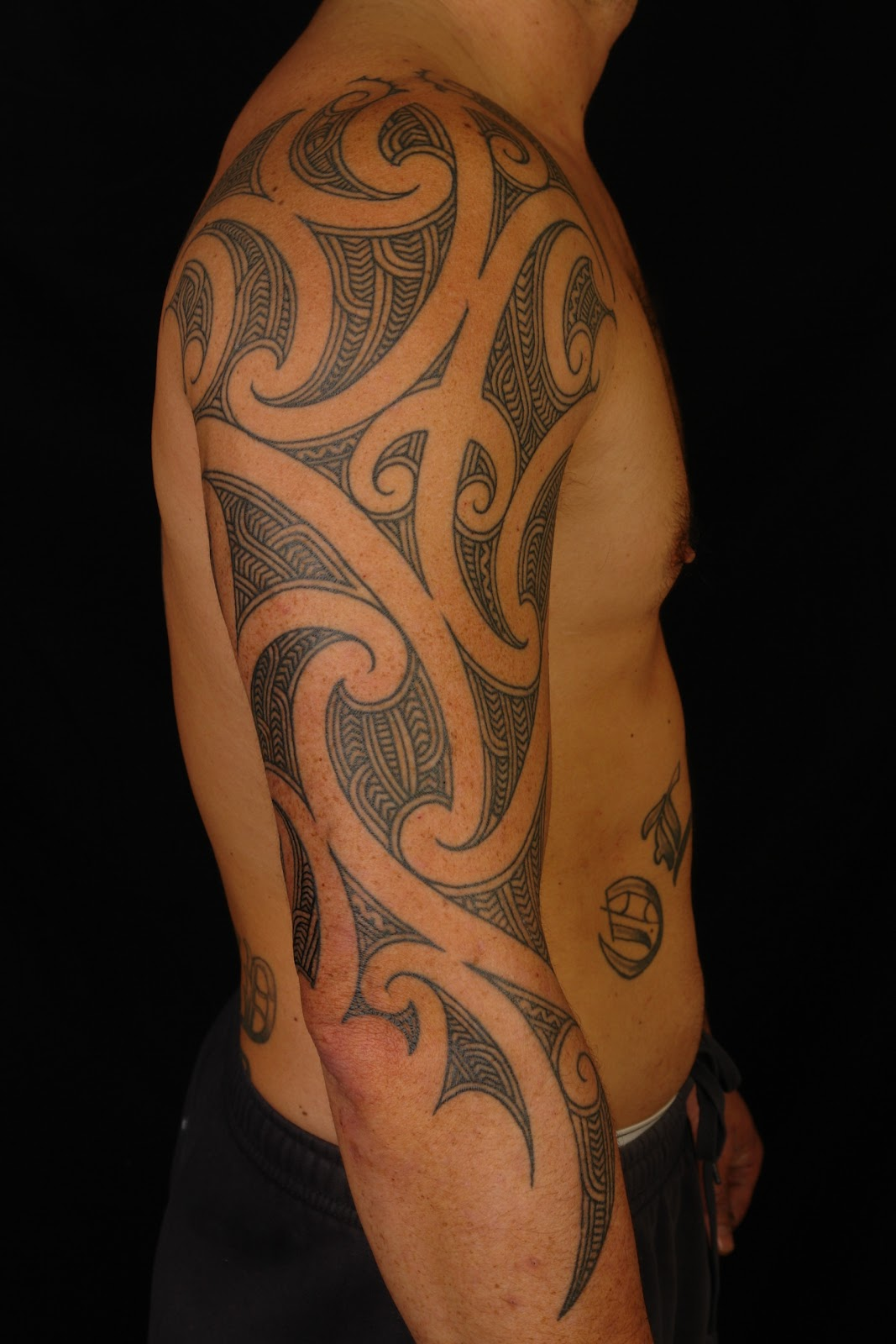 Maori polynesian tattoo maori 3 4 sleeve on shane for 3 4 sleeve tattoo