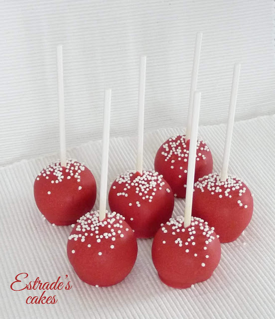 cake pop en rojo y blanco 1