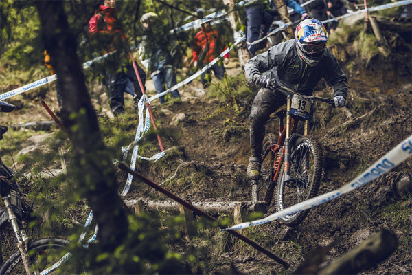 2015 Fort William UCI World Cup Downhill: Practice Highlights Brook Macdonald