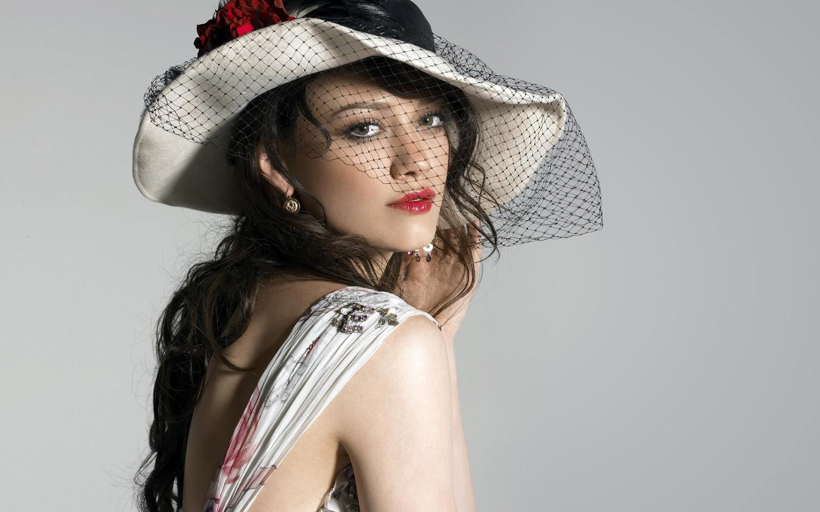 http://3.bp.blogspot.com/-jfiAVAKYvo4/Tzvww8WAI6I/AAAAAAAAA4Q/BZ-hJH-Ppsg/s1600/Hilary+%2810%29.jpg