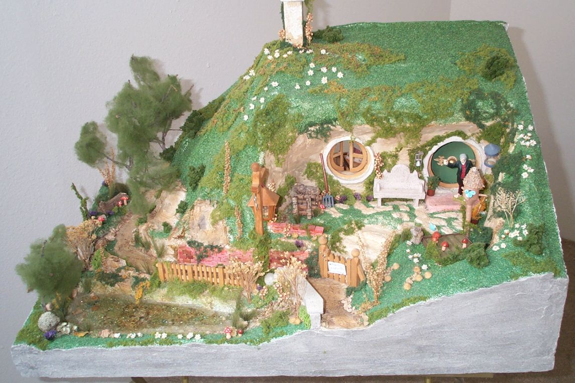 My little house hobbit house model for Hobbit house images