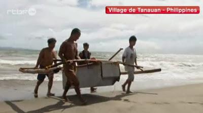 http://www.rtbf.be/video/detail_philippines-debrouillardise-pour-faire-bateaux-de-peche?id=1871208&utm_source=rss&utm_medium=feed