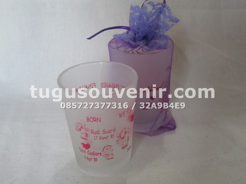 souvenir_gelas