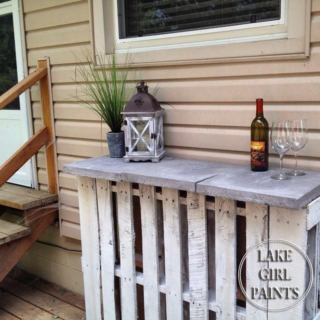 Lake girl paints pallet mini bar random projects and for Small pallet bar