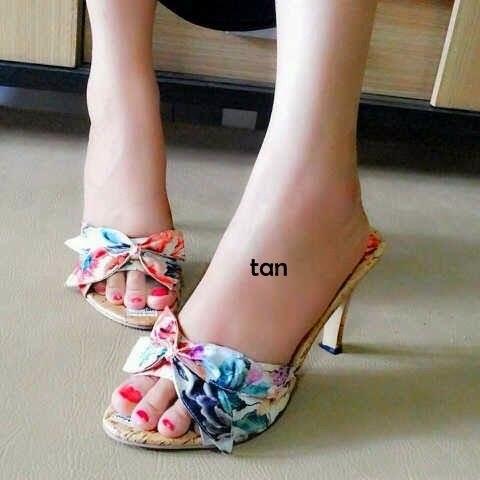 Sepatu Cewek Heel Sepatu Cewek Heel Flower Heel Tan