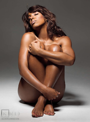 0021 >Kelly Rowland Topless par Derek Blanks