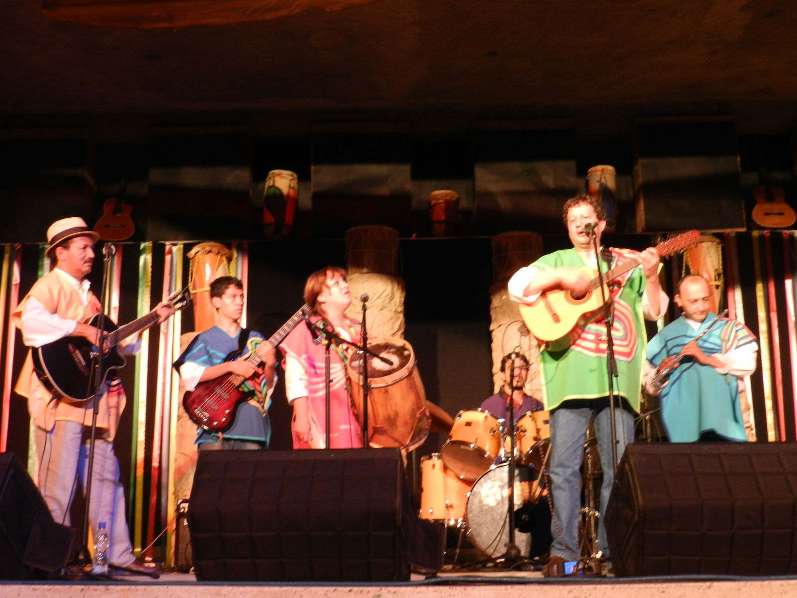 musica latinoamericana grupos: