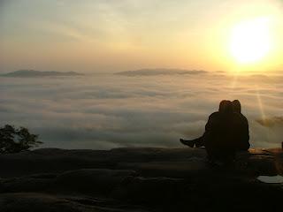 Puncak Gunung Stong