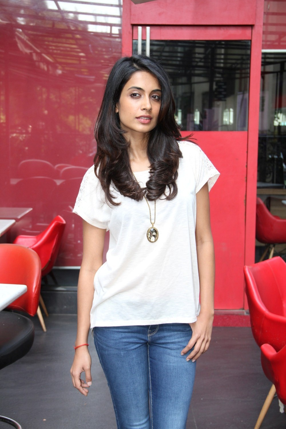 Sarah Jane Dias Looks Sexy In A Tight Blue Jeans And White Top At A Local Restaurant In Mumbai
