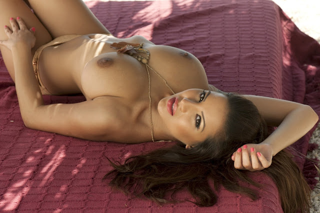 Lacey Banghard – Topless Photoshoot
