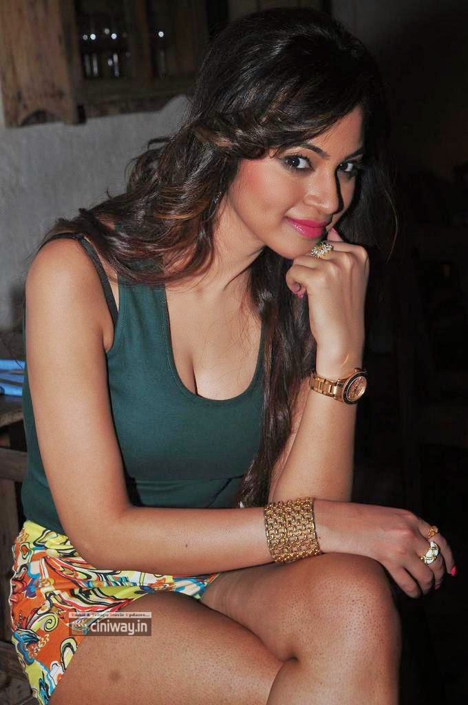 Actress-Shilpi-Sharma-Latest-Unseen-Stills