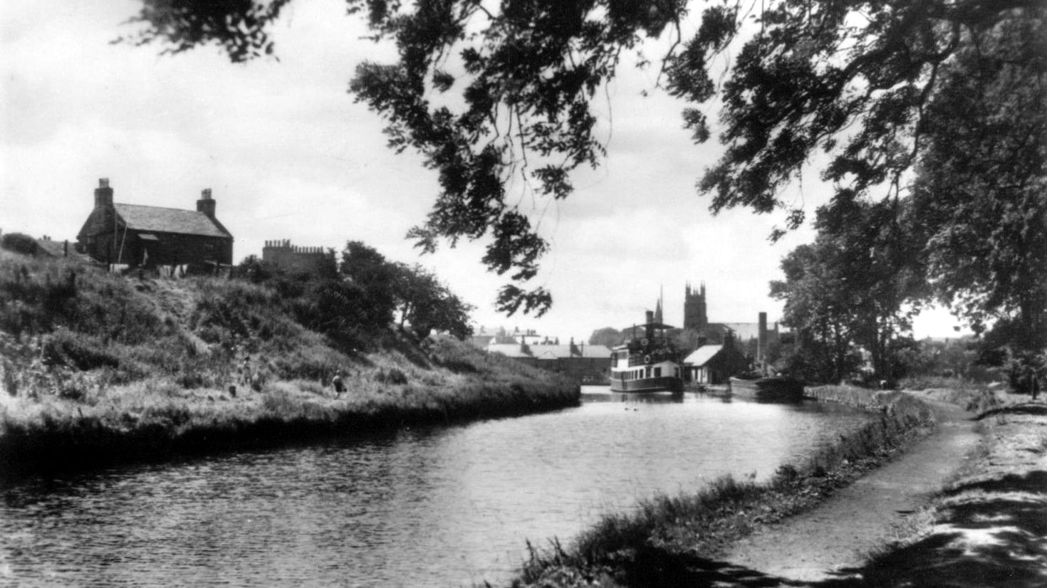 Tour scotland photographs old photograph forth and clyde for A s home design kirkintilloch