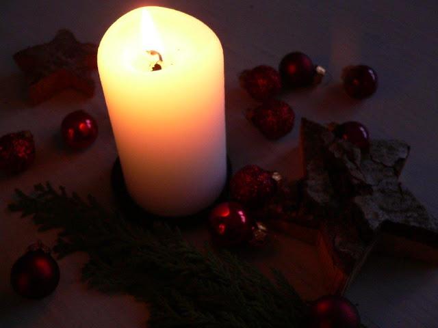 Weihnachten Xmas Kerze Weihnachtskugeln