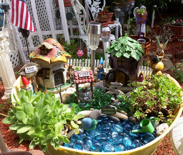 Summer Gnome Fairy Garden Tub, 2017