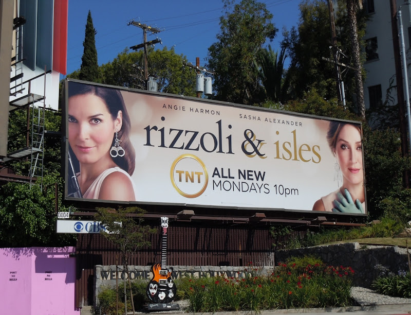 Rizzoli and Isles season 2 TV billboard