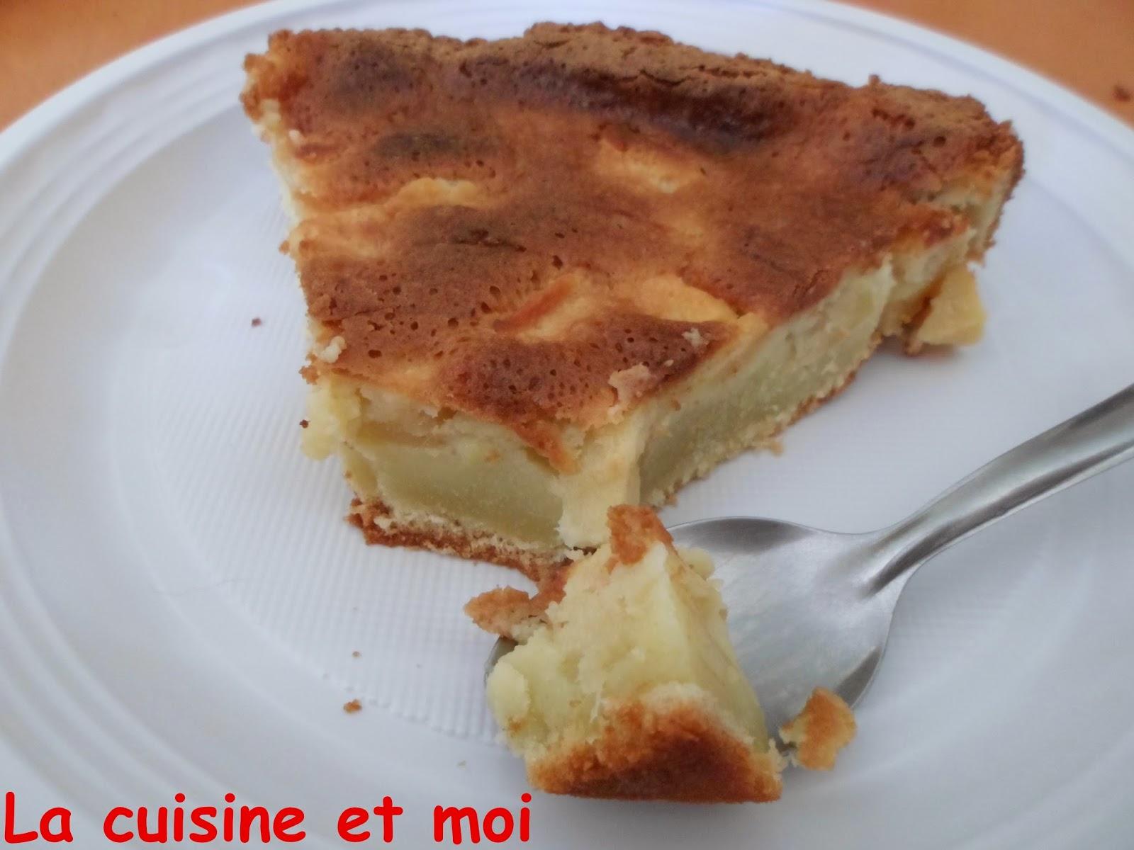 http://la-cuisine-et-moi.blogspot.fr/2014/05/gateau-aux-pommes.html