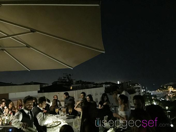 st-regis-hotel-istanbul-spago-teras-bar