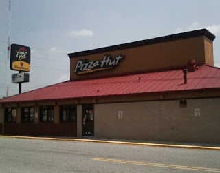 Pizza Hut S Downsizing Opens Door For Chipotle At Briarcliff Village