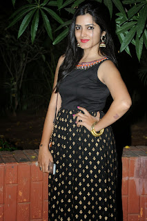 Pavani Reddy in Beautiful Black Sleeveless Salwar Suit with Golden Dots WOW what a beauty