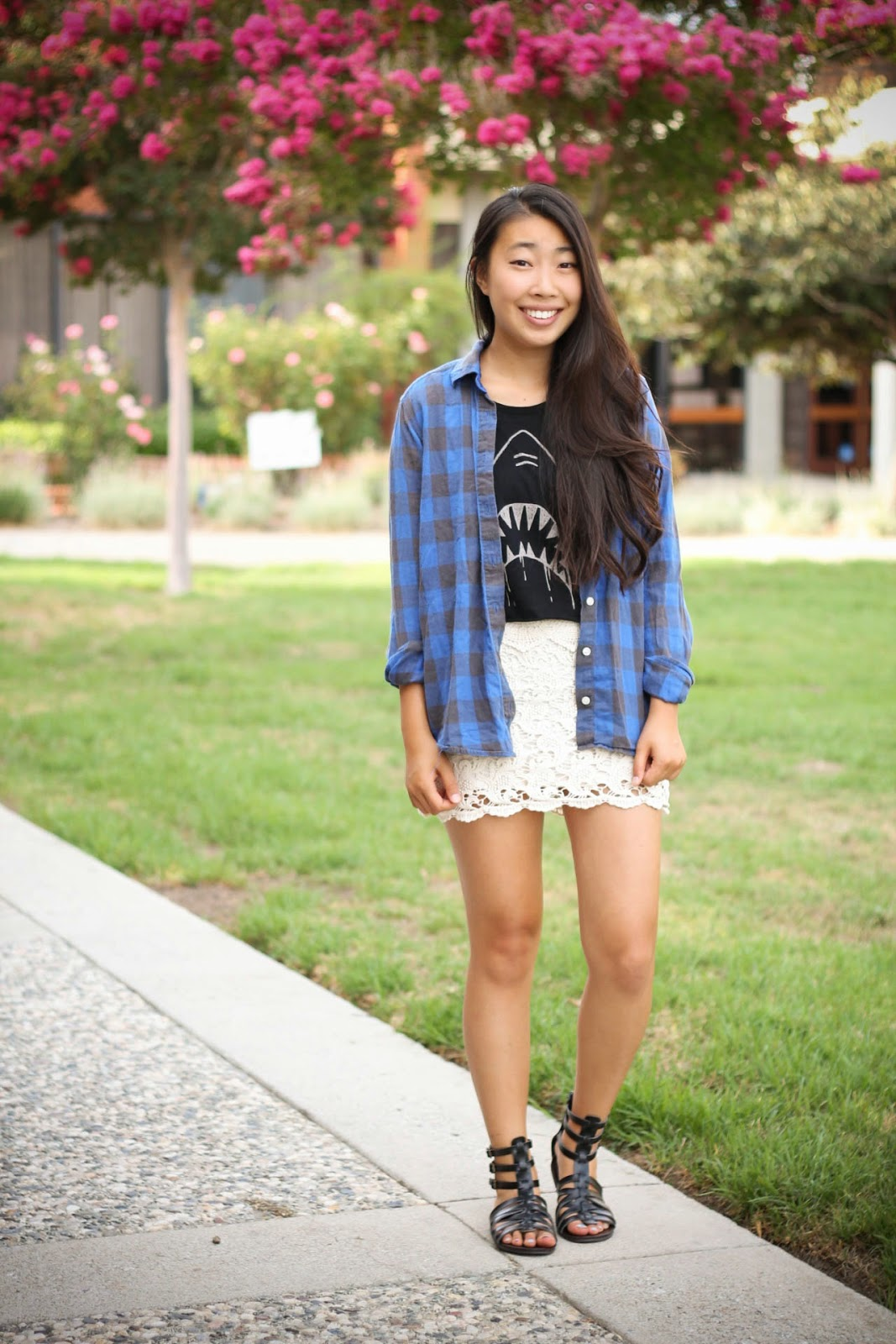graphic muscle tee outfit, plaid shirt, outfit for school
