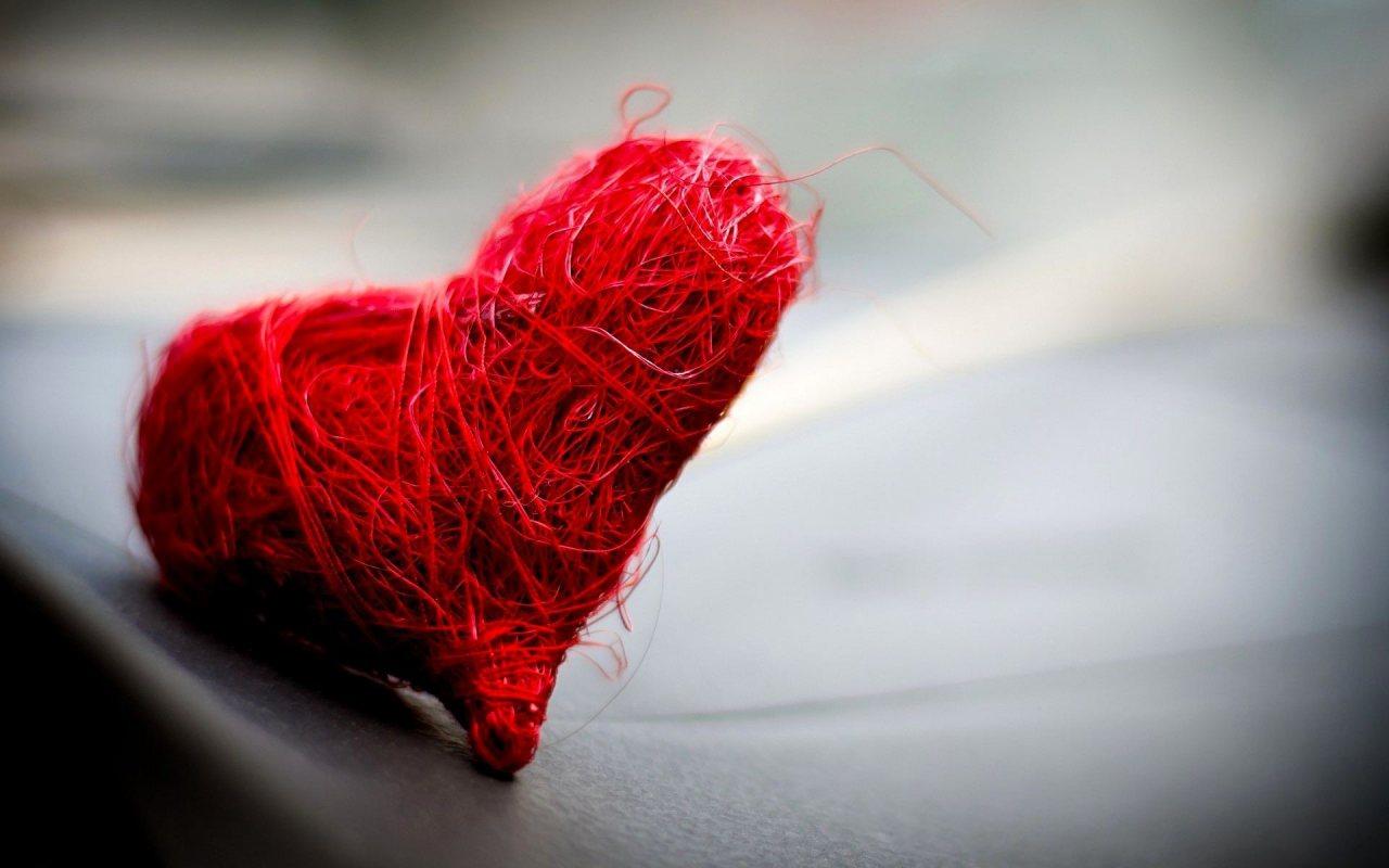 http://3.bp.blogspot.com/-jiFAblsekJw/UEXIUHsZiEI/AAAAAAAAFwQ/Dn_6vQyGtDg/s1600/handmade-heart-1280x800.jpg