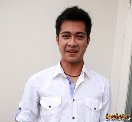 Eza Gionino - Aktor Ganteng Indonesia