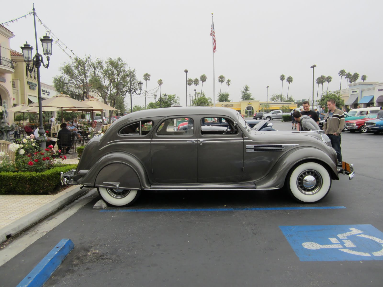 Covering Classic Cars : Sunday Morning Car Shows