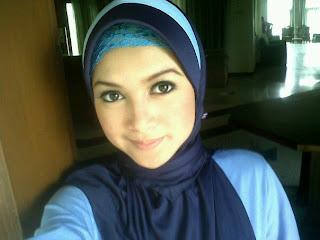 Demikian informasi selebritis tentang profil dan biodata Rosnita Putri