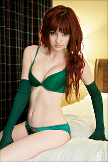 wallpaper hut hot susan coffey