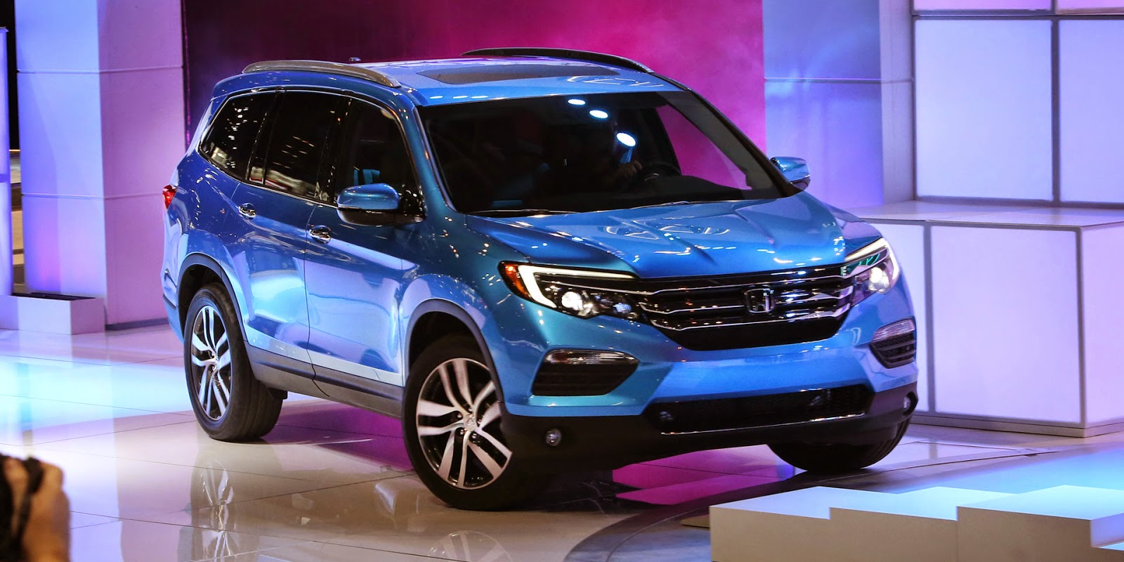The 2016 Honda Pilot Is Completely Redesigned From Top To Bottom, With A  New, Sleeker Look And A Revised Powertrain For Better Fuel Economy And  Power.