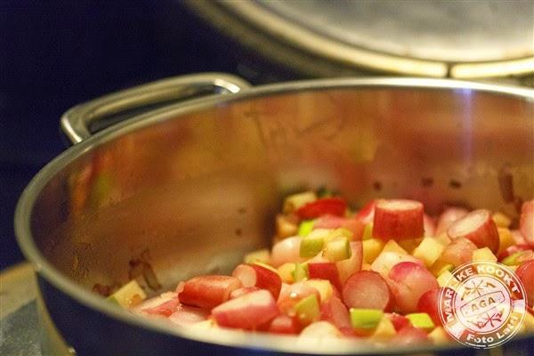 Quinoa met gebakken radijs, walnoot en Stilton