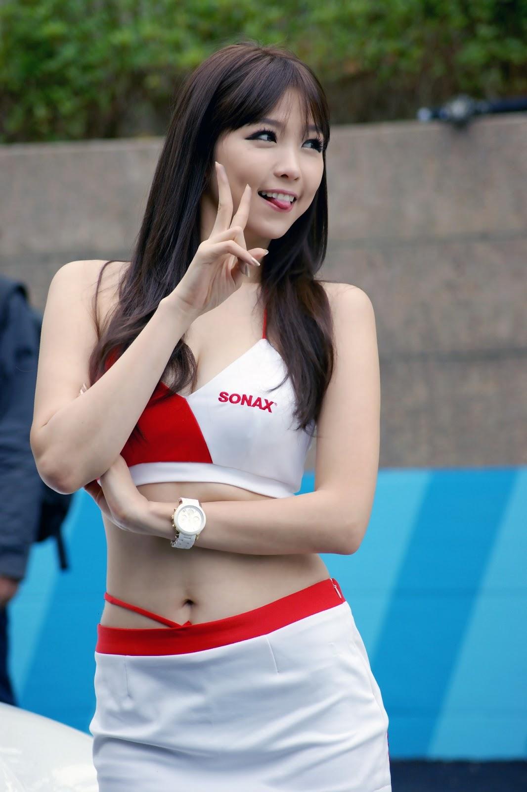xxx nude girls: Ju Da Ha - World IT Show 2013