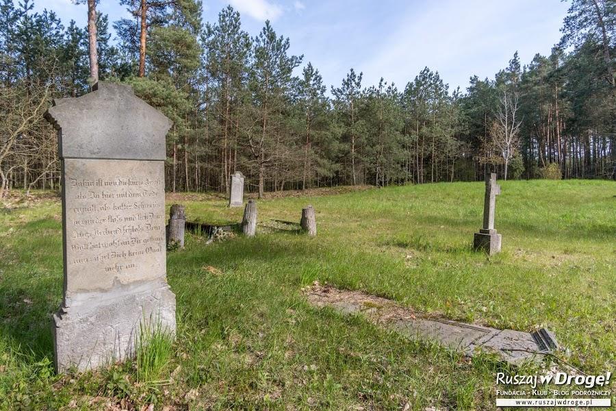 Cmentarz mennonicki w Barcicach