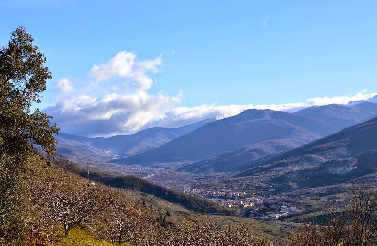 La ruta nos ofrecerá vistas espectaculares. Ruta Solidaria Valle del Jerte. Primavera.
