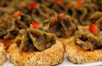 Tecas de Pão Preto com Babaganuche (vegana)